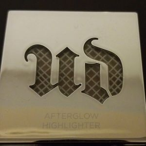 URBAN DECAY AFTERGLOW HIGHLIGHTER 8 HOUR POWDER
